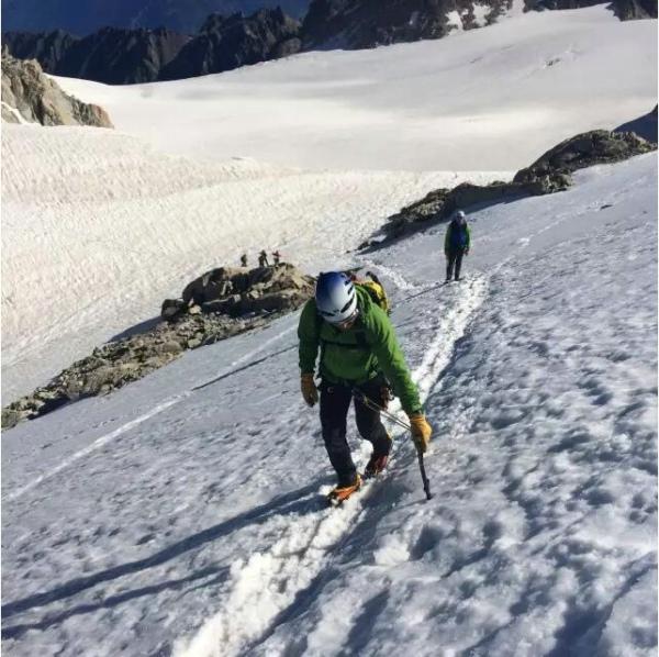 冬夏通用的多用途登山靴 —— 星座技术版 GTX 评测-3