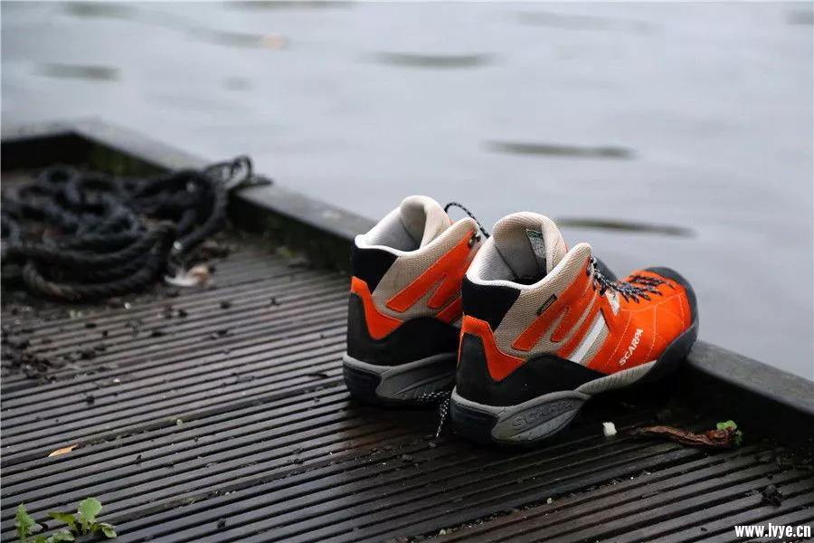 克服各种困境的好鞋:Scarpa 假日GTX防水徒步鞋-10