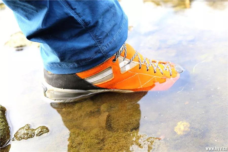 克服各种困境的好鞋:Scarpa 假日GTX防水徒步鞋-5