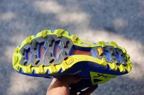 当热刀划过黄油:Scarpa 旋风Spin竞赛越野跑鞋体验-7