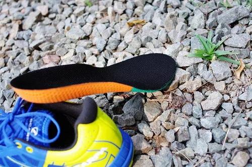 当热刀划过黄油:Scarpa 旋风Spin竞赛越野跑鞋体验-8