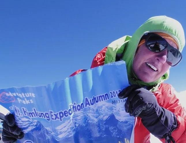 """珠峰上的阴影 听英国登山家、向导Di Gilbert亲历自述如何""""直面死亡""""-1"""
