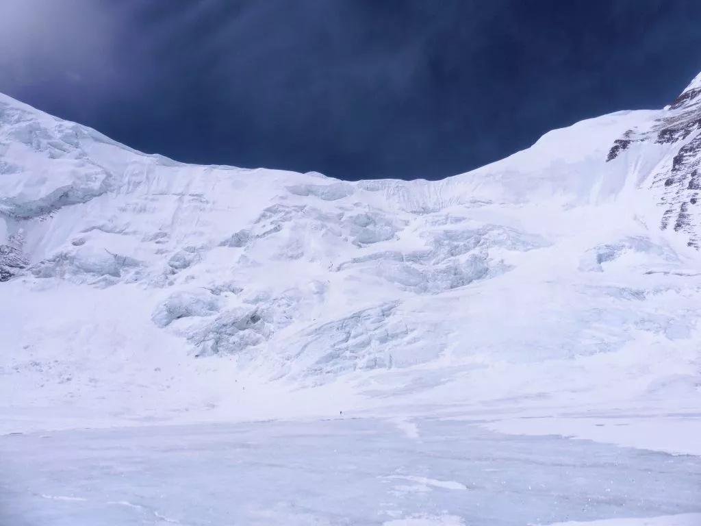 """珠峰上的阴影 听英国登山家、向导Di Gilbert亲历自述如何""""直面死亡""""-5"""