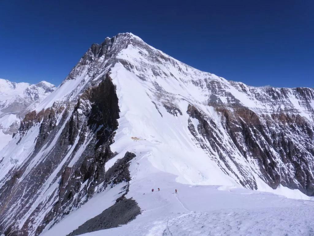 """珠峰上的阴影 听英国登山家、向导Di Gilbert亲历自述如何""""直面死亡""""-6"""